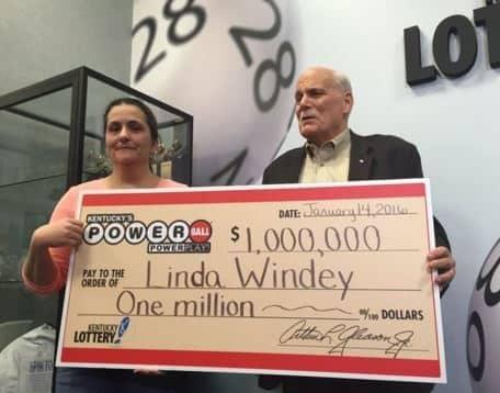 Výherkyně loterie Powerball - Linda Windey z USA